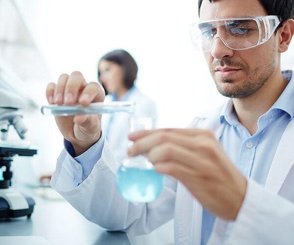 Laborator chimie lucrator